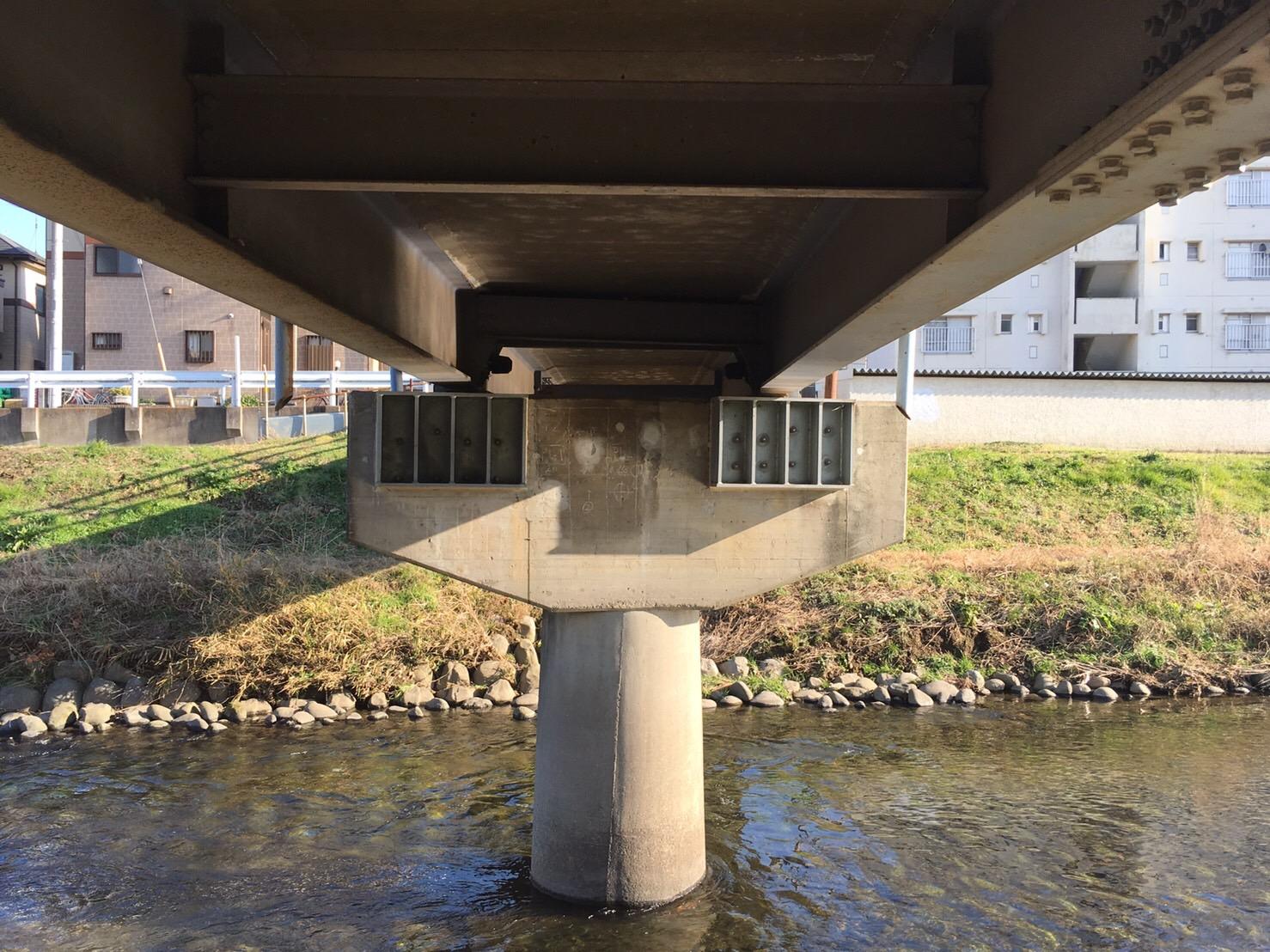黒目橋落橋防止対策工事
